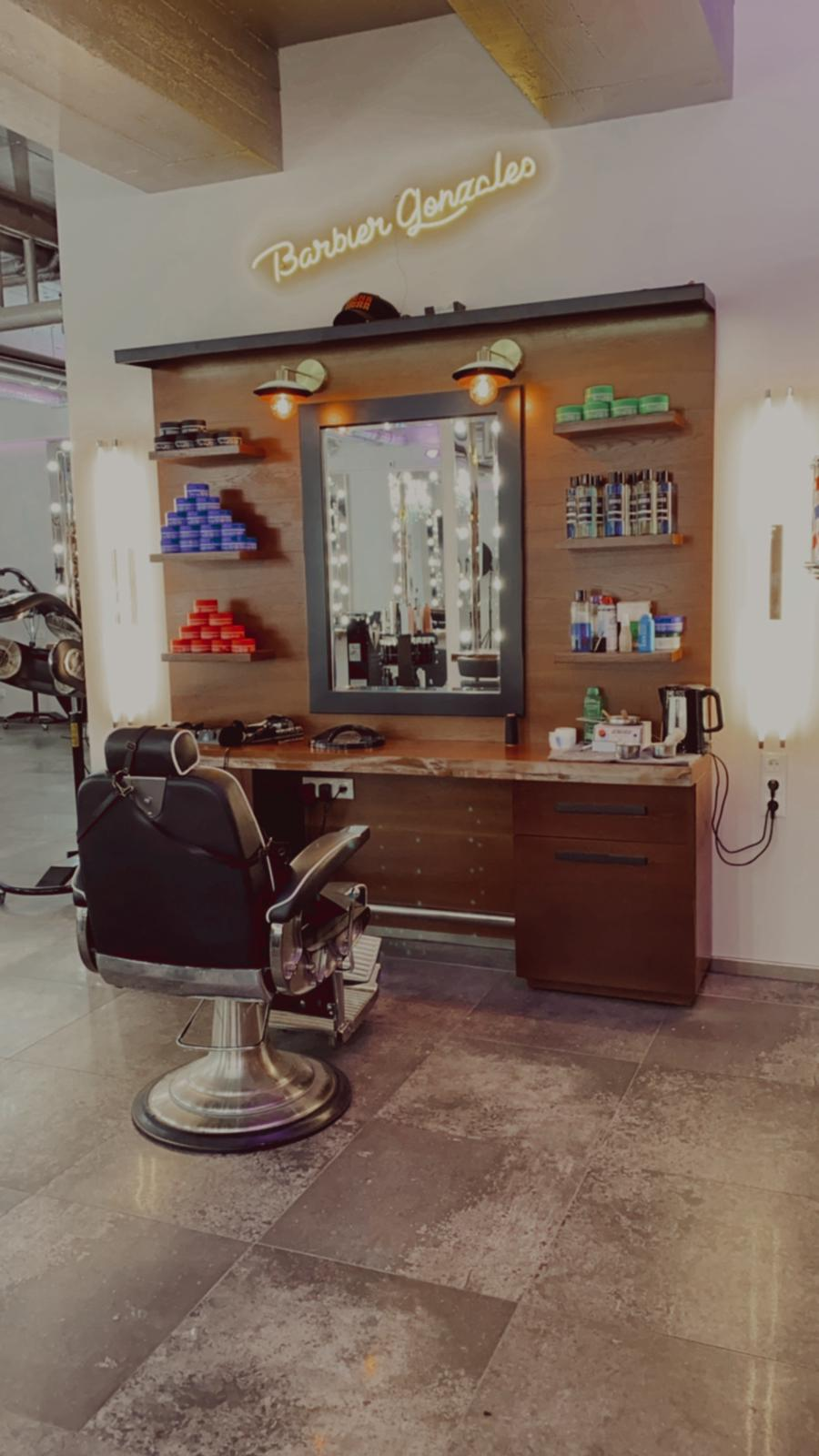 Barbier Gonzaloes bei DA VINCE HAIR & MAKE-UP