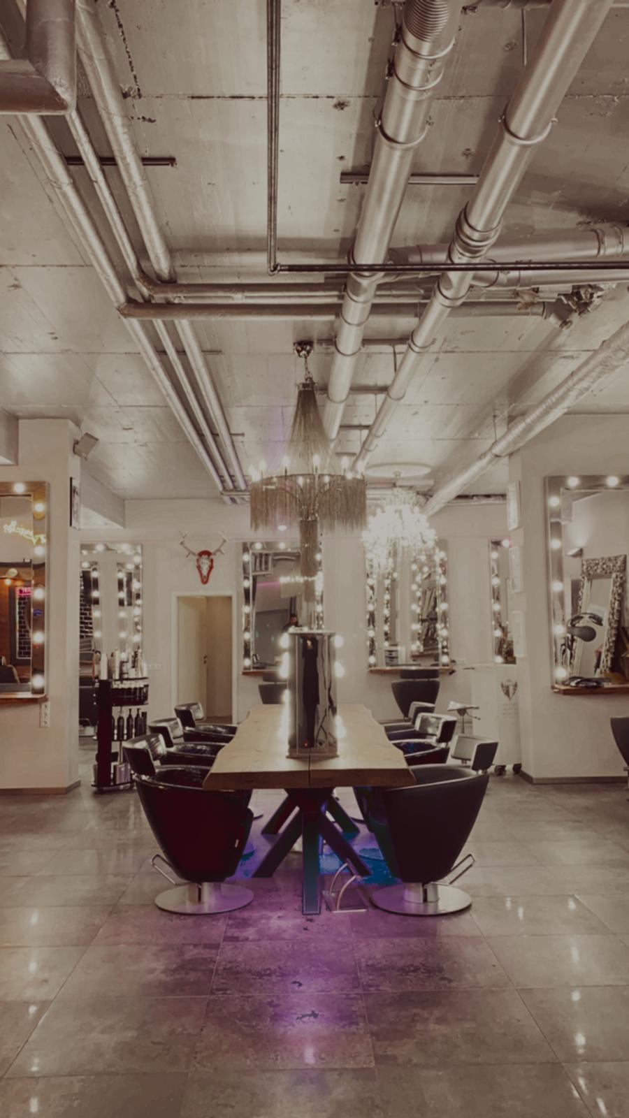 Friseurstühle im Salon